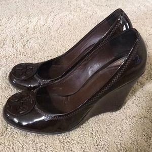 Tory Burch brown patent leather wedge 8.5